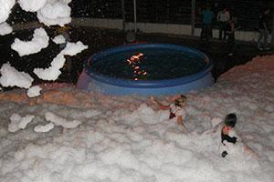 Schnee und Schaumparty